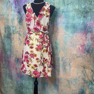 📌 Love 21 Sweet Floral Wrap Dress with Ruffle Hem